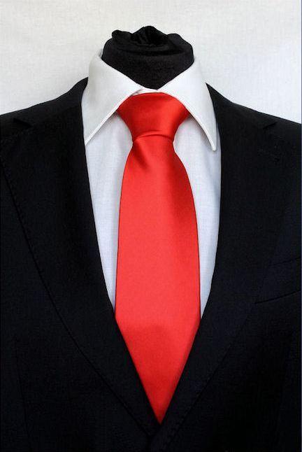 Pánská červená klasická kravata na ples 7939f3331c