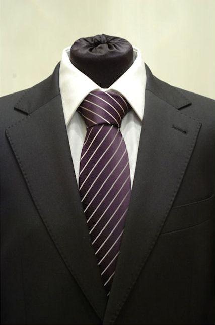 Pánská fialová klasická kravata se stříbrnými pruhy - 8 cm dd8a1548be